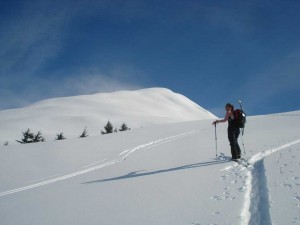backcountry-skiing-01